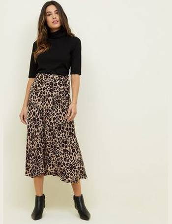 c900cef687c6 Brown Leopard Print Midi Wrap Skirt New Look from New Look