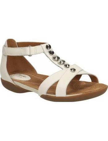 da841c4c32ddd Shop Clarks Womens Flat Sandals up to 70% Off