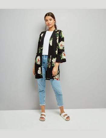b7f63c7cbeac Cameo Rose. Black Floral Print Bell Sleeve Kimono. from New Look