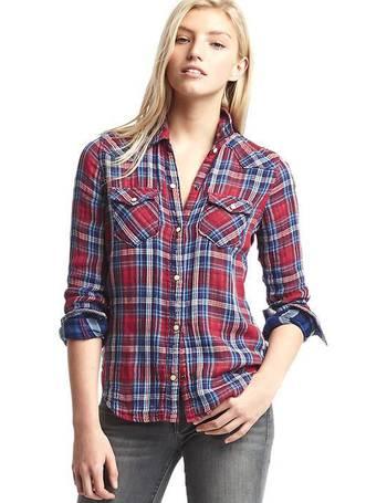 e5ac914bd41 Shop Women s Gap Denim Shirts up to 65% Off
