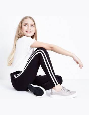 506ea44c03378c Teens Black Side Stripe Ring Zip Leggings New Look from New Look