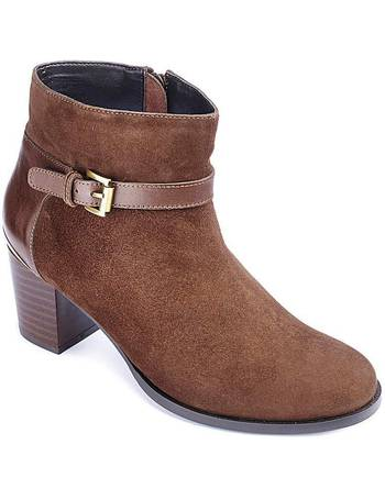 ad3504477fbd Shop Women s Van Dal Ankle Boots up to 40% Off