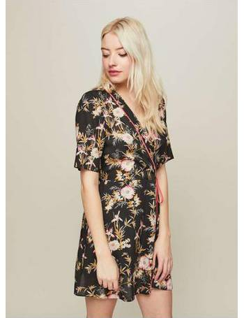 3986225532 Womens PETITE Floral Print Kimono Wrap Dress from Miss Selfridge