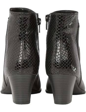 e8dfb8a6b Shop Women's Lotus Ankle Boots up to 65% Off | DealDoodle