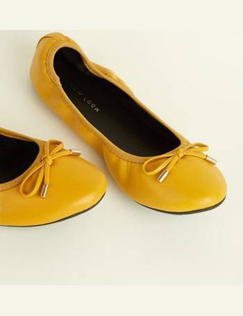 83ac6886dd3 Wide Fit Mustard Bow Front Elasticated Ballet Pumps New Look from New Look