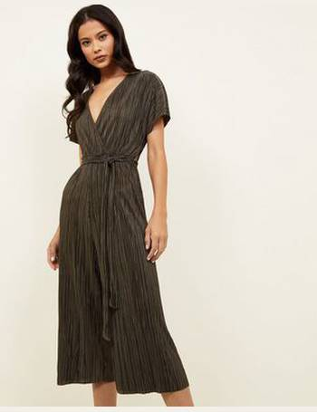 bd591c62c017 Dark Green Plissé Wrap Front Culotte Jumpsuit New Look from New Look