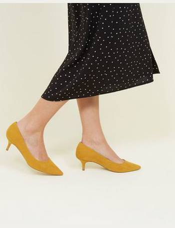 0caecae1cd66 Wide Fit Mustard Suedette Kitten Heel Courts New Look from New Look