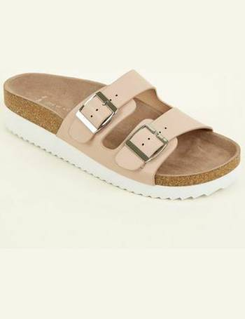 dac4cd508d34f Wide Fit Nude Leather-Look Footbed Sliders New Look from New Look