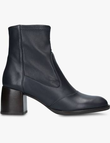 bdce77a6719c Shop Women s Chie Mihara Ankle Boots up to 40% Off