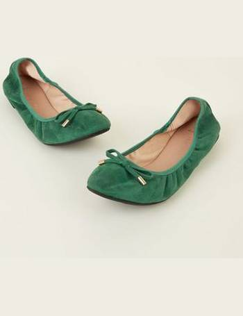 fcef2d019a Wide Fit Dark Green Suedette Elastic Ballet Pumps New Look from New Look