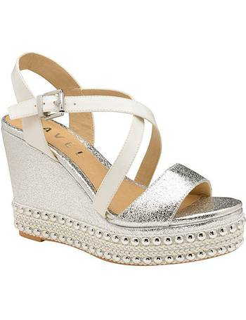 8e51f4f9fad Shop Women s Ravel Sandals up to 80% Off