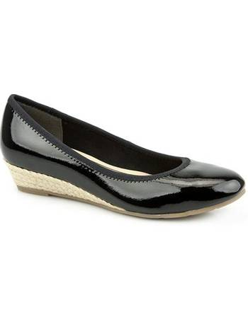 ca3dc3e3e40 Ladies Wedge Heel Pump