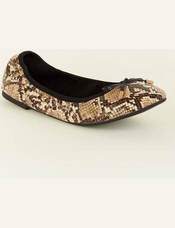 d0653f5bec Wide Fit Faux Snakeskin Bow Front Elasticated Ballet Pumps New Look from New  Look