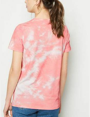 871a3baece Coral Tie Dye This Is Me Slogan T-Shirt New Look from New Look