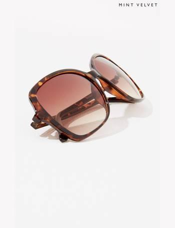 613571e25eb3 Shop Women's Square Sunglasses up to 90% Off   DealDoodle