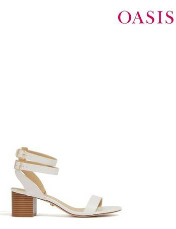 5bbcffd80a8 Shop Women s Oasis Sandals up to 60% Off