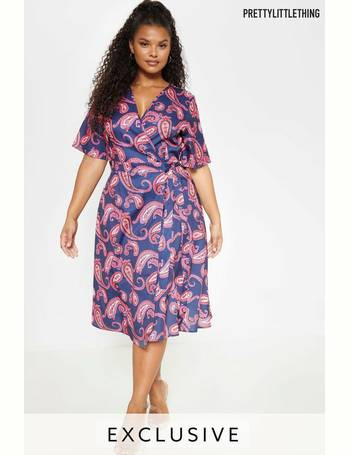 2d0b9a9587fa Shop Women's Pretty Little Thing Wrap Dresses up to 70% Off | DealDoodle