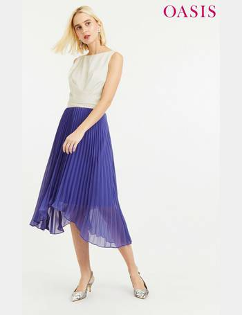 f169304b2033 Shop Women's Oasis Pleated Dresses up to 70% Off   DealDoodle