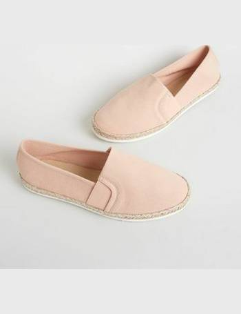 4211a51316d Wide Fit Pink Canvas Metallic Sole Espadrilles New Look from New Look