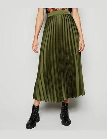 newest style of buying now choose best Green Pleated Satin Midi Skirt New Look