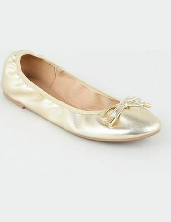 14d99c71d8 Wide Fit Gold Faux Croc Elasticated Ballet Pumps New Look from New Look